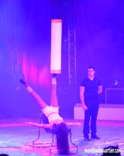 Cirque-equilibriste